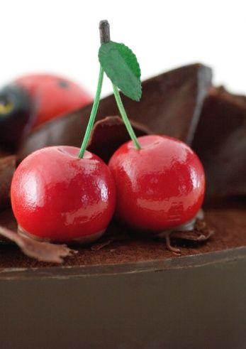 En sağlıklı çikolata hangisi?   Uzmanların bu soruya yanıtı 'Bitter çikolata'. Bunun nedeni de şöyle açıklanıyor: 'Şeker oranı düşük, kakao oranı yüksek, katkı maddesi az.'